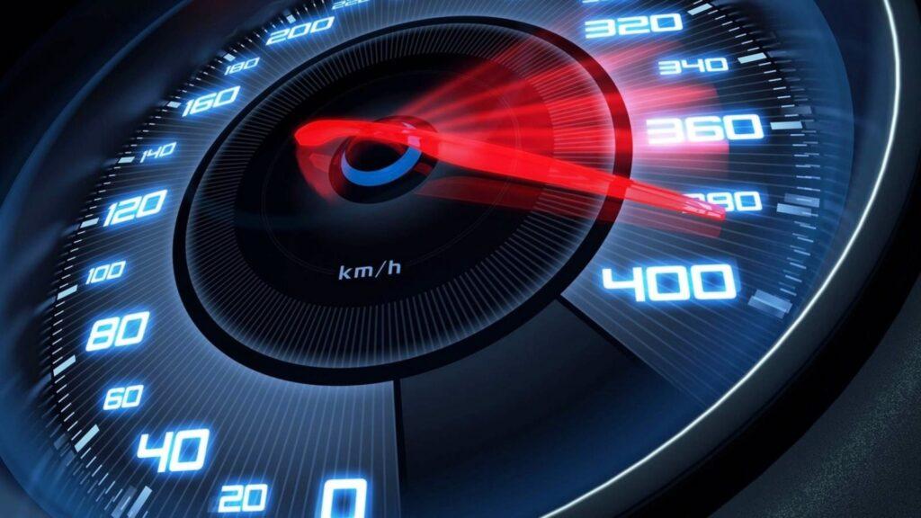 Скорость и мощность электрического самоката.